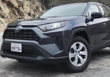 Первый обзор и тест-драйв новой Toyota RAV4 (видео)